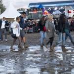 Viel zu wenig Platten sorgten für heitere Schlitterpartien auf dem Festival-Gelände.